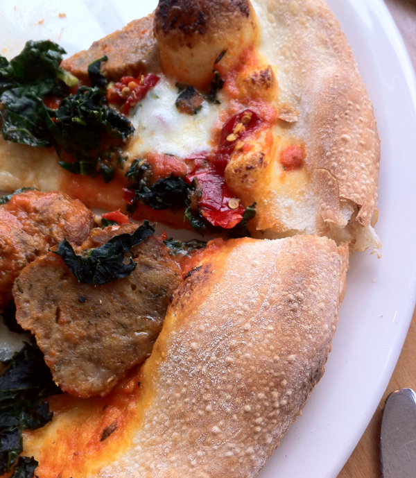 Sausage-and-Kale-Pizza-600