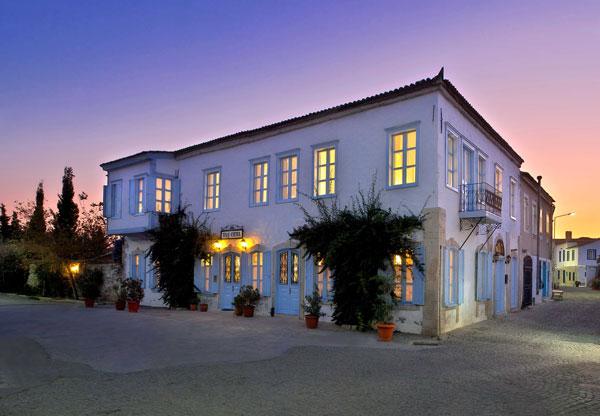 Tas-Hotel-outside