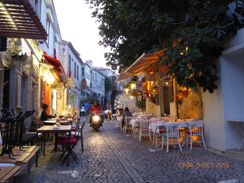 Alacati-street-scene