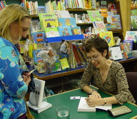 Dianne Jacob signing copies of Will Write for Food